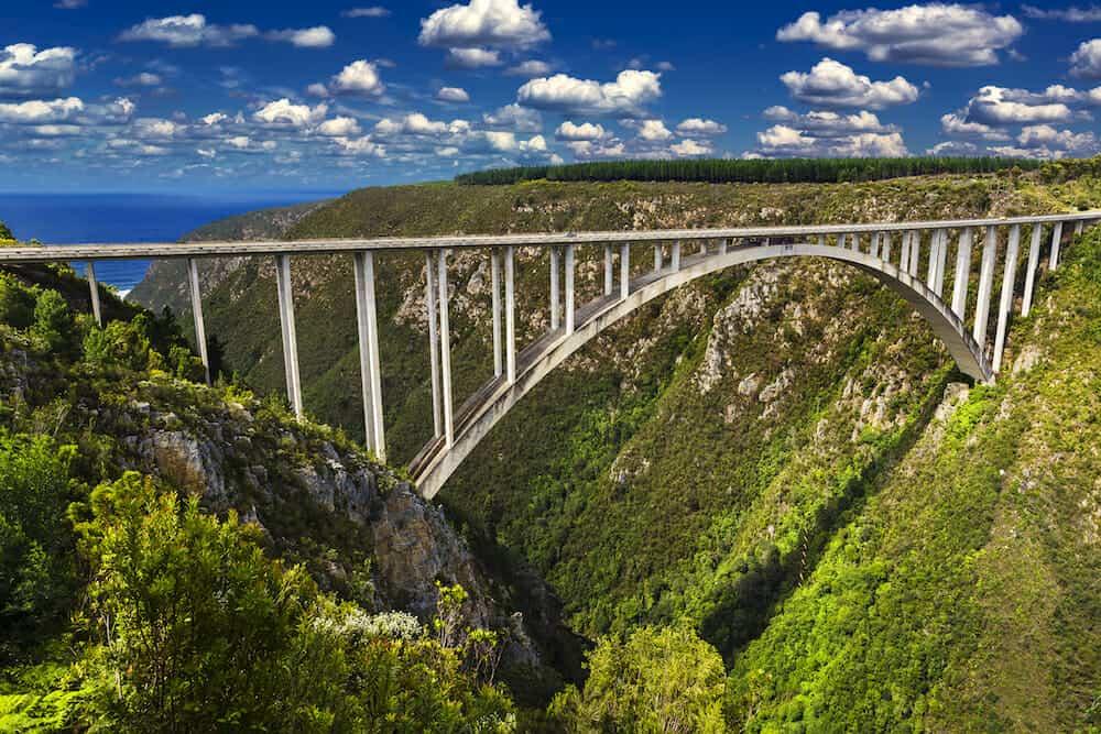 Bloukrans Bridge - bungee jumping spot