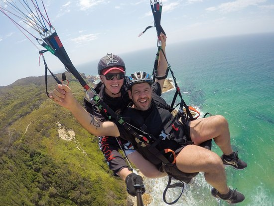 garden route activities - paragliding on the coast